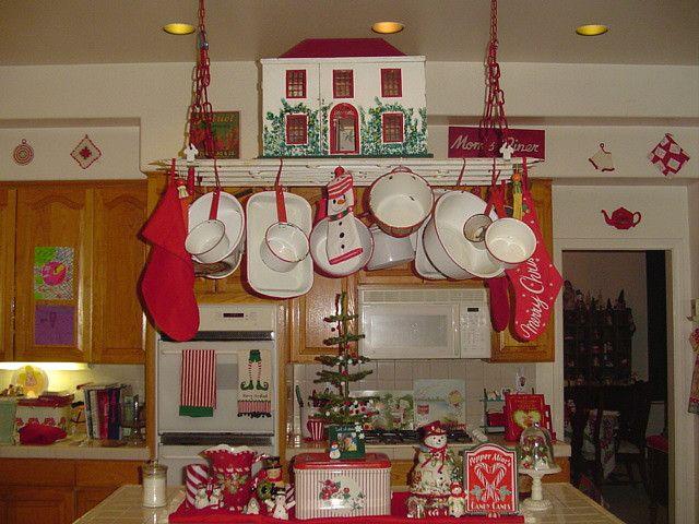 Vintage Red and White Kitchen | Christmas kitchen decor, Vintage .