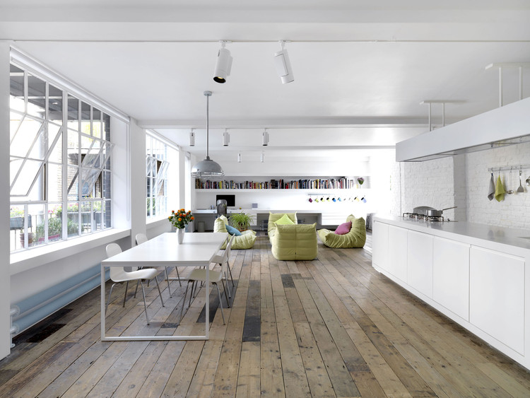 Bermondsey Warehouse Loft Apartment / FORM Design Architecture .