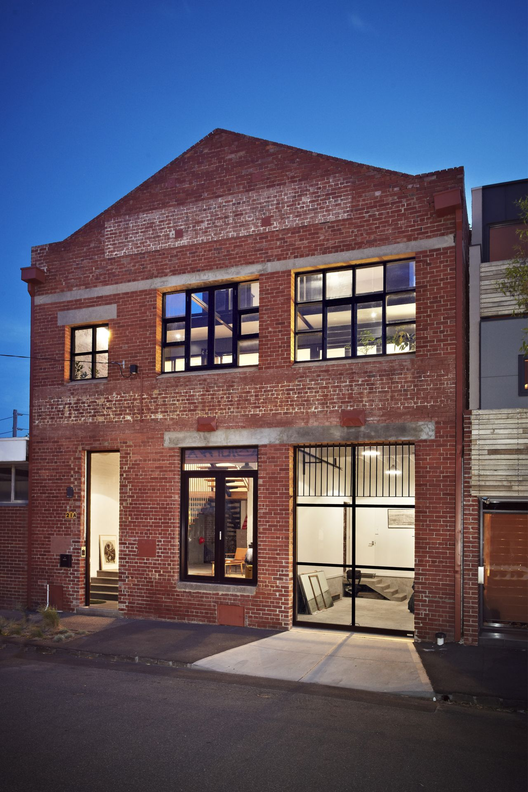 The Abbotsford Warehouse Apartments / ITN Architects | ArchDai