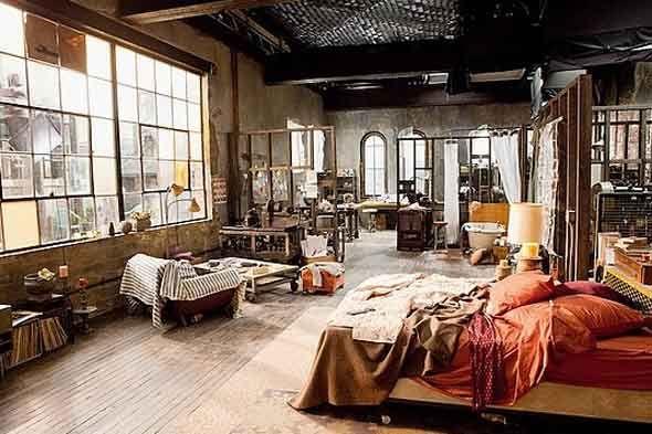 artsy studio. i love the bright bed. | Warehouse living, Home .