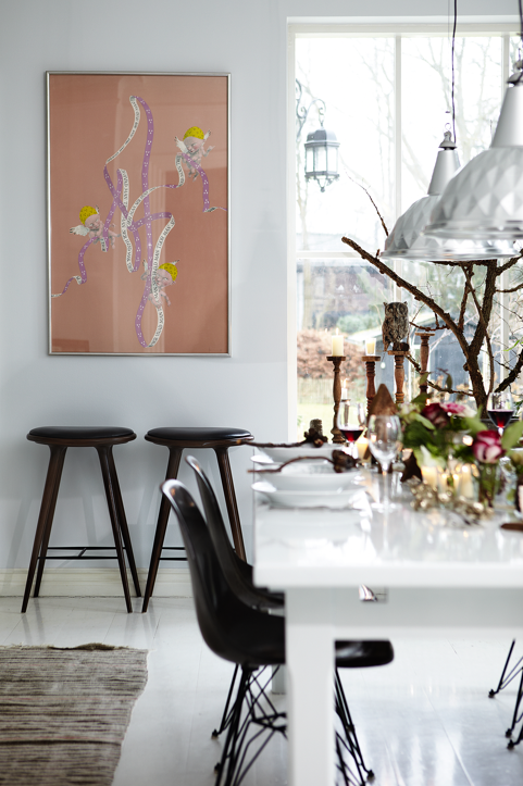 House tour: white and Christmassy Danish home - Decorator's Notebo
