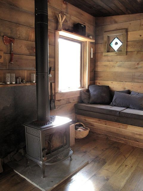 22 Wood-Clad Interior Ideas To Warm Up In The Winter | Small cabin .